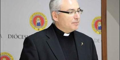 Desde 2011 era el rector del seminario de la diócesis