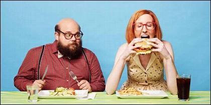Amor, pareja, comida y calorías.