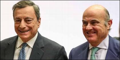 El presidente del BCE, Mario Draghi, y el vicepresidente, Luis de Guindos.