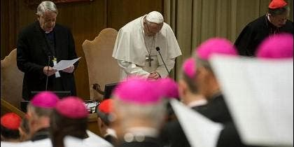 El Papa, junto al cardenal Ruffini en la segunda jornada de la cumbre