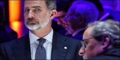 La mirada del Rey de España al independentista Quim Torra.