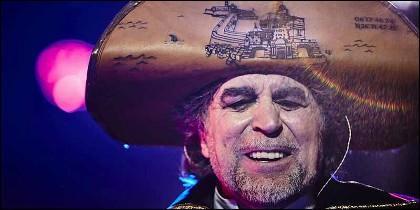Joaquín Sabina, de pregonero pirata en los Carnavales de Cádiz.
