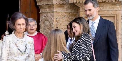 Letizia, Don Felipe y parte de su familia, en una imagen de archivo.