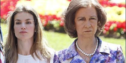 Doña Letizia y la Reina Sofía.