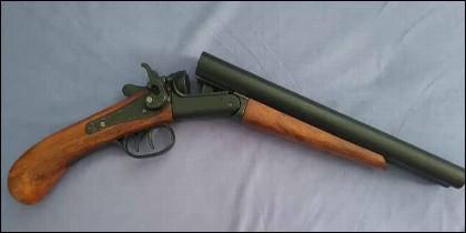 Caza y escopeta de cartuchos.