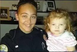 Cassie Hope Barker y su hija Cheyenne.