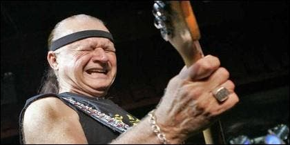 El guitarrista Dick Dale.