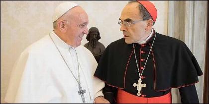 El papa Francisco con el cardenal Philippe Barbarin.