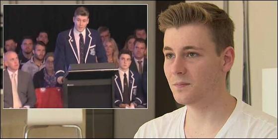 Finn Stannard en su discurso a sus compañeros de colegio.