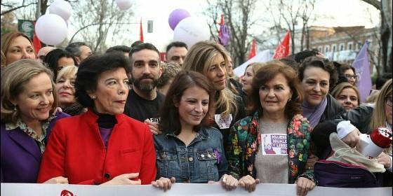 Celaá, Calvo y Begoña Gómez, entre otras, el 8 de marzo.