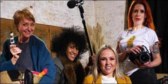 4 mujeres durante el rodaje del documental