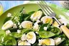 Ensalada de espinacas crudas