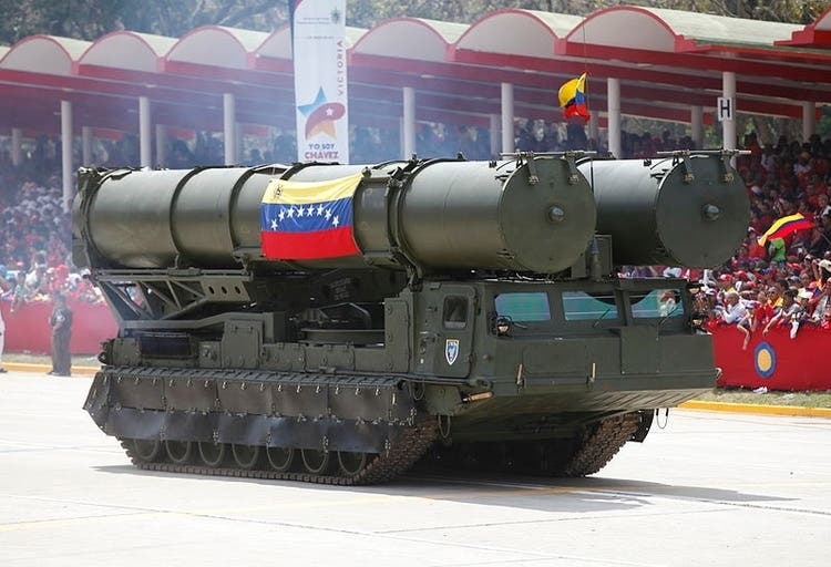 Maduro instala un escudo antimisiles ruso en Caracas