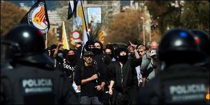 Los violentos independentistas de los CDR de Cataluña.