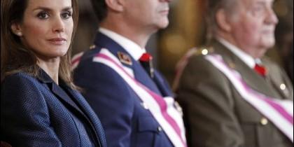 Doña Letizia, Felipe VI y Don Juan Carlos.