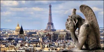 París, la Torre Eiffel y la gárgolas de Notre Dame.