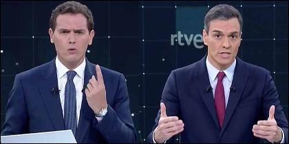 Albdert Rivera y Pedro Sánchez.