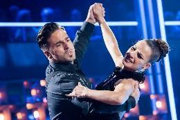 David y Yana durante el conruso de baile