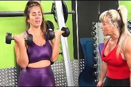 Anabl Pantoja haciendo pesas   (Telecinco)