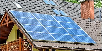Panel solar en una vivienda