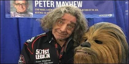 Peter Mayhew, el actor que dio vida a Chewbacca.