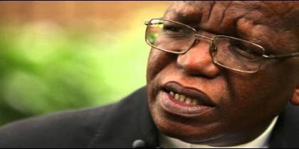 El arzobispo de Johannesburgo, Buti Tlhagale.