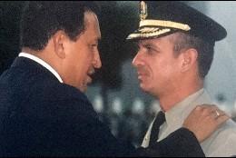 Hugo Chávez y Hugo Carvajal
