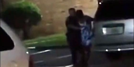 Un policía mató a una mujer que le avisó que estaba embarazada