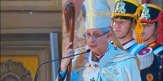 El cardenal Mario Poli durante el Te Deum.