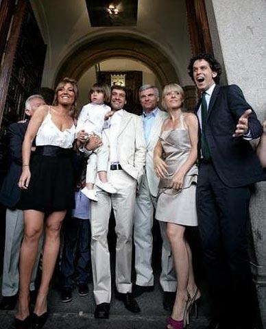 http://www.periodistadigital.com/imgs/20090606/zerolo-bautizo.jpg
