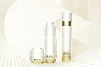 Absolute Silk Fluid & Cream de Sensai y ... Déjate envolver por la suavidad de la seda más fina y vive una experiencia única