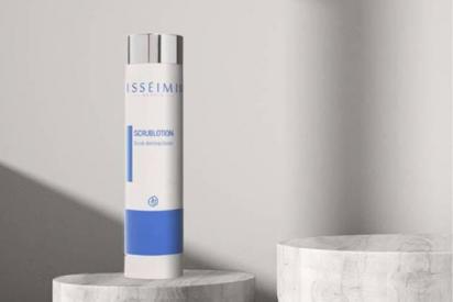 La pieza clave de tu rutina beauty: Scrublotion de Isseimi MD, que activa las celulas dermicas y oxigena la piel