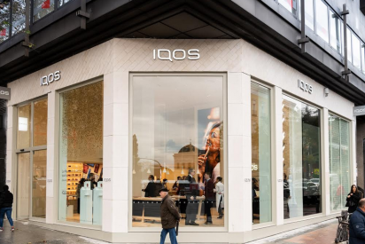 Abre en la Milla de Oro la primera IQOS Boutique de España