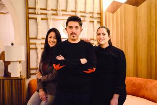Maggie Bañuelos y Tatiana Allard, Jefa de Sala y Jefa de cocina en Barracuda MX