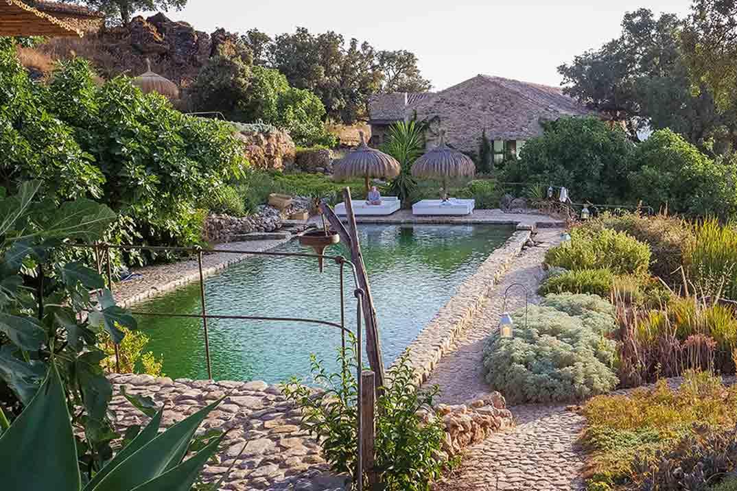 La Donaira piscina