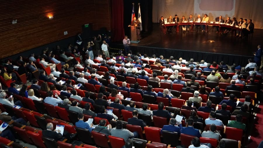 Municipalidades chilenas consultarán sobre nueva Constitución