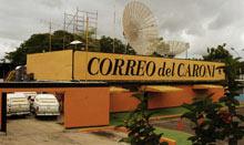 Demolición de un periódico venezolano por estar en zona verde