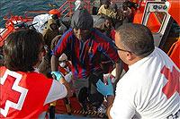Interceptadas dos embarcaciones hinchables en Tarifa con diez inmigrantes a bordo