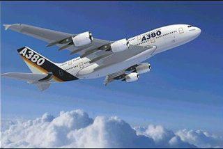 El Airbus A380 hace su primer vuelo comercial entre Singapur y Sydney