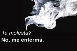 El humo del tabaco aumenta su toxicidad cuando comemos