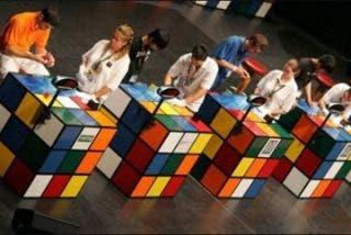 Un japonés se proclama nuevo campeón mundial del cubo de Rubik