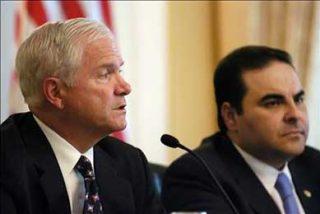 Gates recibe garantías de que las tropas salvadoreñas seguirán en Irak
