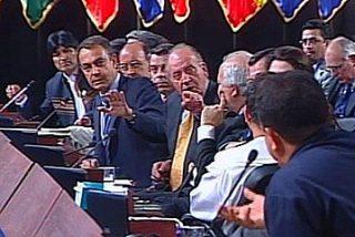 """Chávez: """"Señor rey, responda: ¿sabía usted del golpe de Estado en Venezuela?"""