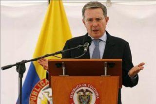 Uribe dice que las FARC buscan protagonismo y no liberar a los rehenes