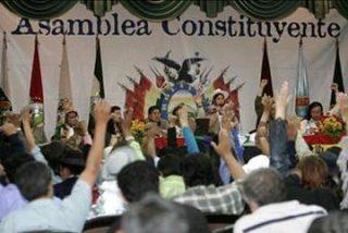 Oposición rechaza Constitución de Evo Morales por ilegal