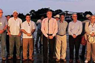 Las FARC se toman su tiempo para liberar a sólo tres rehenes