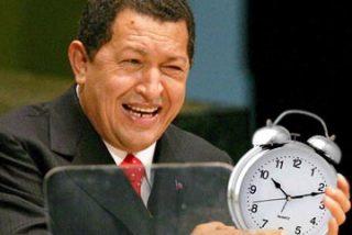 """El Gorila Rojo"""" ordena cambiar la hora en Venezuela"""