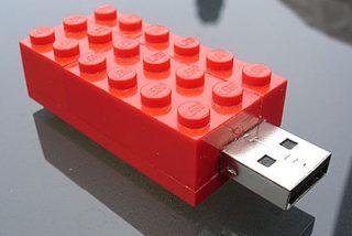 El Gobierno ZP impone un canon a los lápices USB