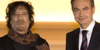 El País castiga a ZP por dejarse caer en los brazos de Gadafi