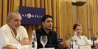 Guillermo Roz presentó su novela 'La vida me engañó'
